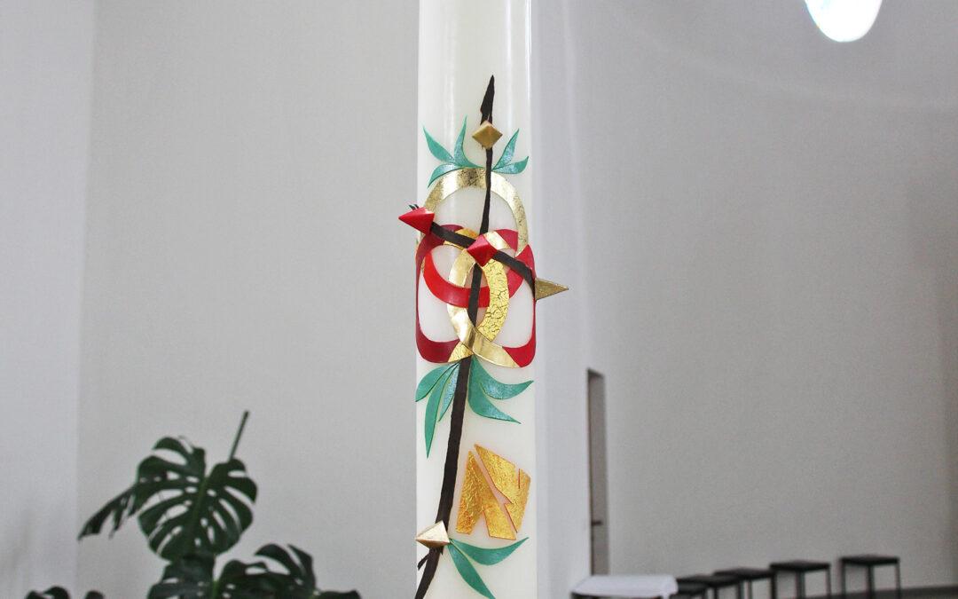 Die Osterkerze 2021 in der Salvatorkirche